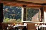 Отель Logis De La Grande Cascade