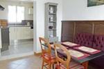 Апартаменты Holiday Home Le petit pressoir Trouville sur Mer