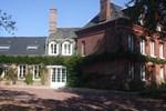 Мини-отель Chambres d'Hôtes et Roulottes Le Clos du Quesnay