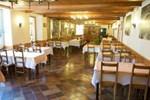 Отель Hôtel Restaurant Le Sire de Joux