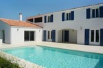 Отель Holiday Home Saint-Denis La Motte Bossee Saint-Denis d'Oleron