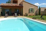 Апартаменты Holiday Home La Barbanne des Bois Saint Saturnin d'Apt