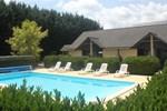 Отель Les Dineux Village