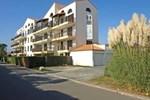 Отель Apartment Les Orphies I Vaux Sur Mer