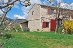 Holiday Home Le Puits Du Geai St Saturnin d'Apt