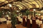 Отель Hotel Restaurant Les Pins