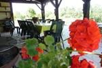 Апартаменты Holiday Home Les Chenes Pieux Castelnau D Auzan