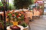 Отель Hotel Restaurant Henri IV