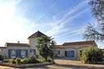 Отель Holiday Home Les Vignes de Michelet Buzet sur Baise