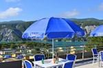 Отель Domaine Residentiel de Plein Air Les Berges du Lac