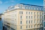 Отель Steigenberger Hotel Herrenhof