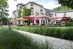 Отель Hotel Le Charme de la Semois