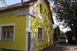 Мини-отель Familia Panzió