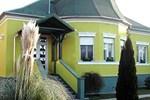 Гостевой дом Kont Panzió és Apartmanházak
