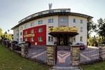 Отель Hotel Komes