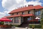 Отель Hotel Oaza