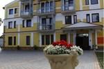 Отель Hotel Rajski Ogród