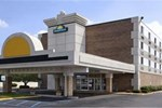 Отель Days Inn Livonia