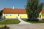 Апартаменты Holiday Home Albertkazmerpuszta