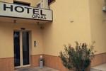 Отель Hotel Opara