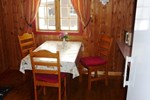Отель Tosbotn Camping & Cottages