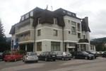 Отель Hotel Damis