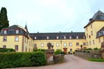 Апартаменты Holiday Home Burg Schmidtheim Schmidtheim