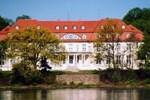 Отель Hotel Schloss Storkau