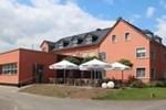 Отель WeinKulturgut Longen-Schlöder