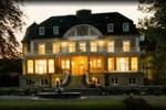 Отель Hotel Schloss Teutschenthal