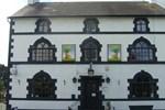 Гостевой дом The Golden Lion Hotel