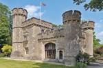 Отель Bath Lodge Castle