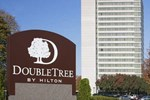 Отель DoubleTree by Hilton Overland Park - Corporate Woods