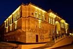 Отель Vivaana