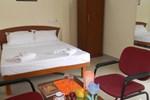 Отель Kek Accommodation