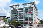 Отель Tune Hotel - Kota Damansara