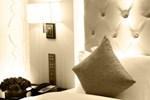 Отель Paramount Gallery Hotel