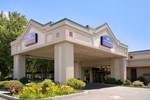Отель Howard Johnson Hotel Yakima