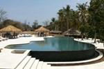 Отель Pondok Santi Estate