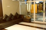 Хостел Palawan Palm Suites