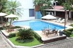Отель Hotel El Rancho