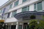 Отель Pearl White Hotel