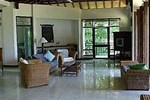 Отель Bajo Komodo Eco Lodge