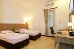 Отель Pondok Jatim Park Hotel & Café