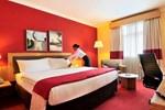 Отель Hennessy Park Hotel