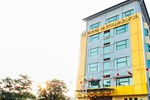Отель Hotel Darulmakmur