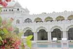 Отель Gulaab Niwaas Palace