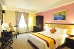 Отель Hallmark Crown Hotel