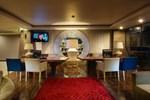 Отель Amaroossa Suite