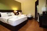 Lorenzzo Suites Hotel
